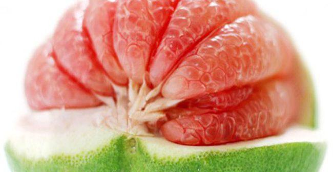 Trái bưởi da xanh ruột hồng